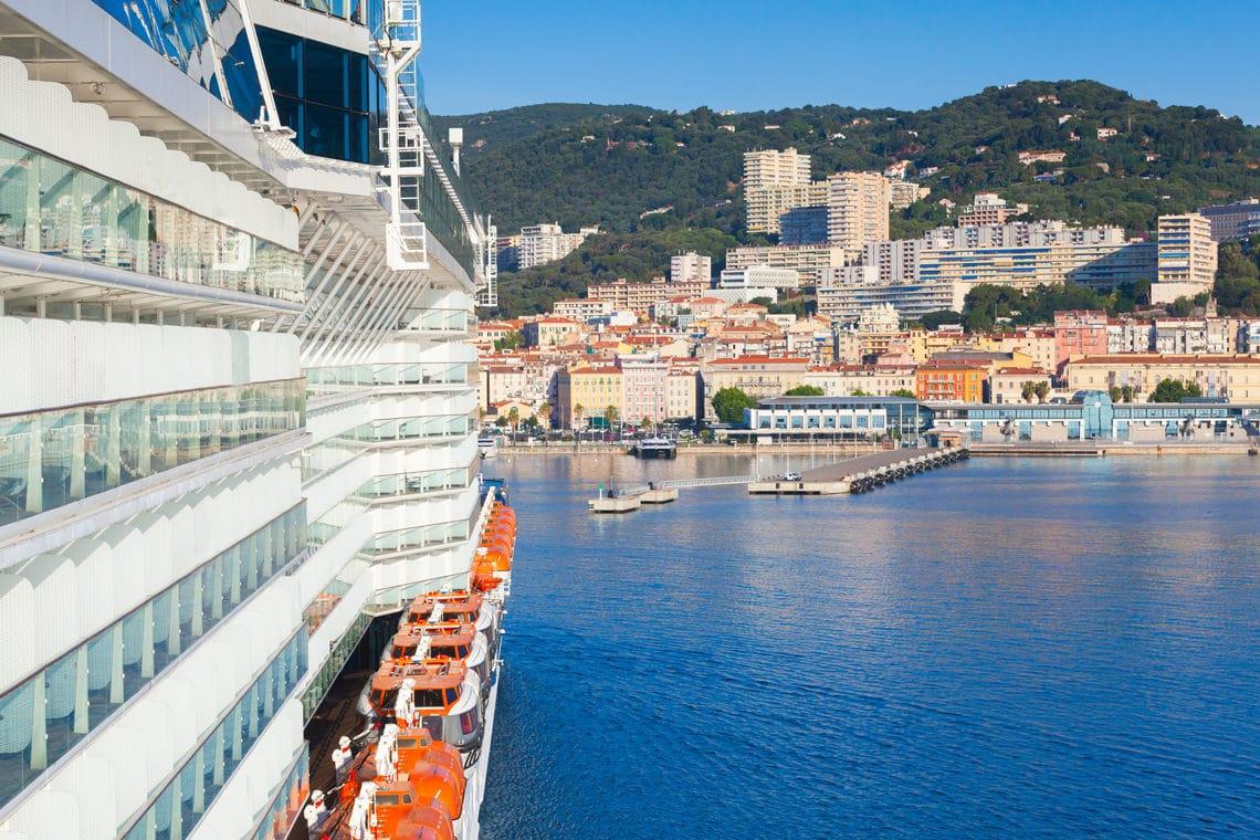 5-boekingstips-voor-je-overtocht-naar-Corsica-veerboot-aan-boord-bastia