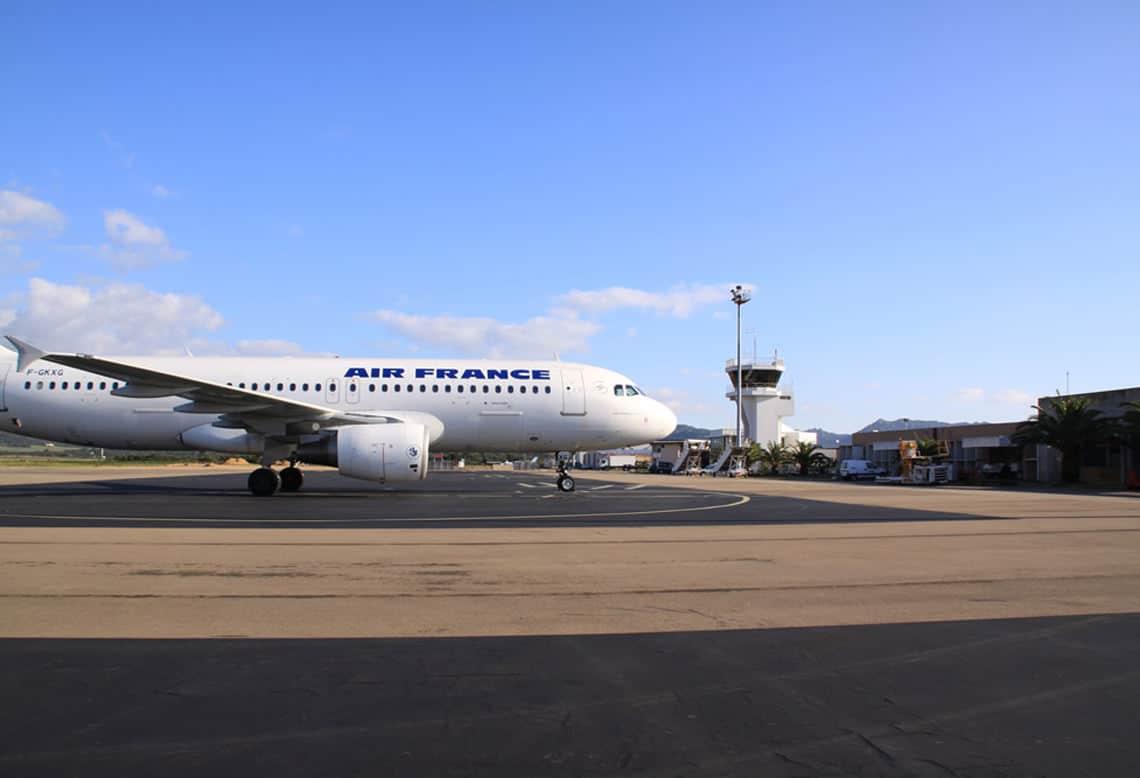 Air-France-toestel-op-Figari-Airport