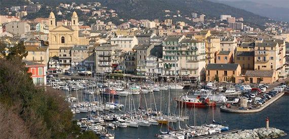 Bastia-ligt-vlakbij-Marines-de-Venzolasca