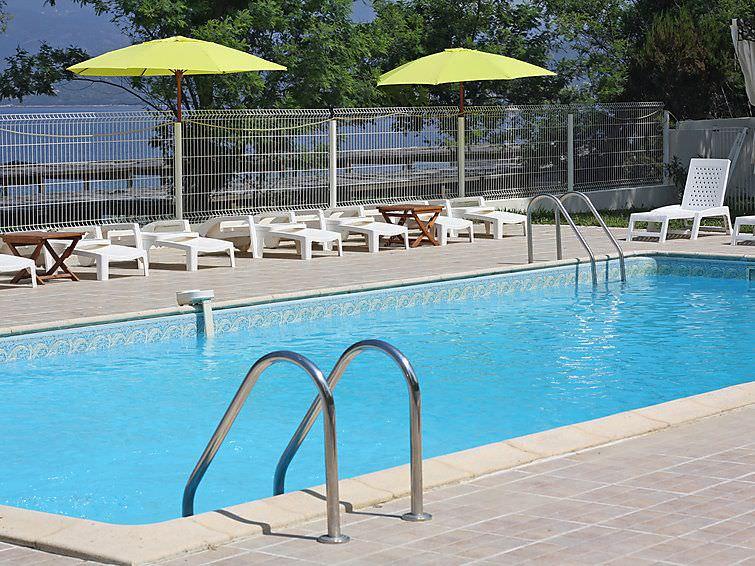 Calcatoggio - Appartement Punta Paliagi in Calcatoggio Corsica zwembad
