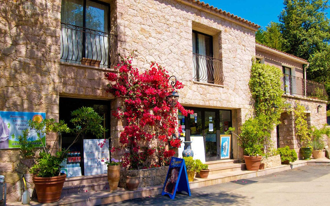 Camping-Les-Oliviers-Corsica-receptie