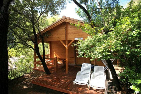 Camping-Les-Oliviers-Corsica-voorkant-bungalow