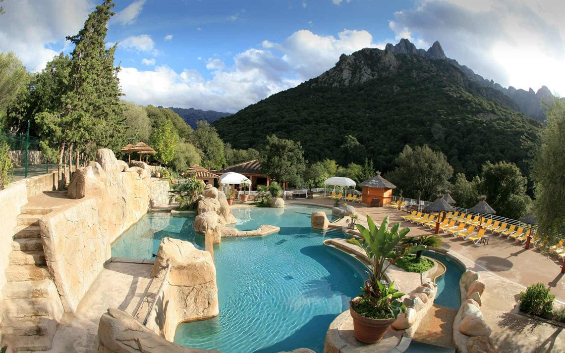 Camping-Les-Oliviers-Corsica-zwembad-2