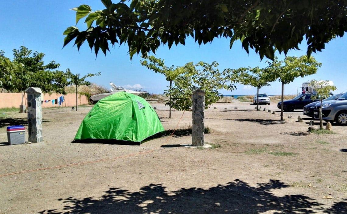 Camping-Les-Sables-Rouges-Bastia-kampeerplek