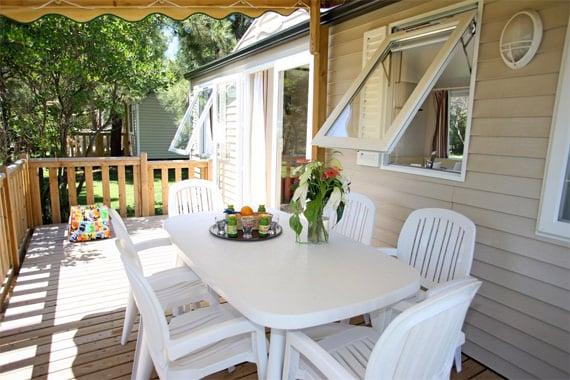 Camping-Perla-di-Mare-caravan-veranda