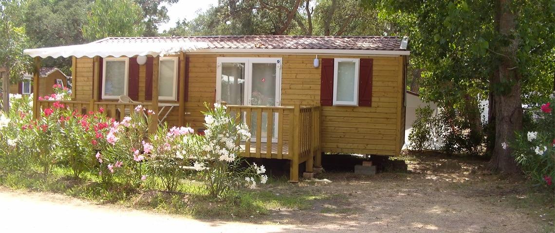 Caravan-op-een-camping-op-Corsica