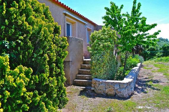 Gites-op-Corsica-voorbeeld-woning