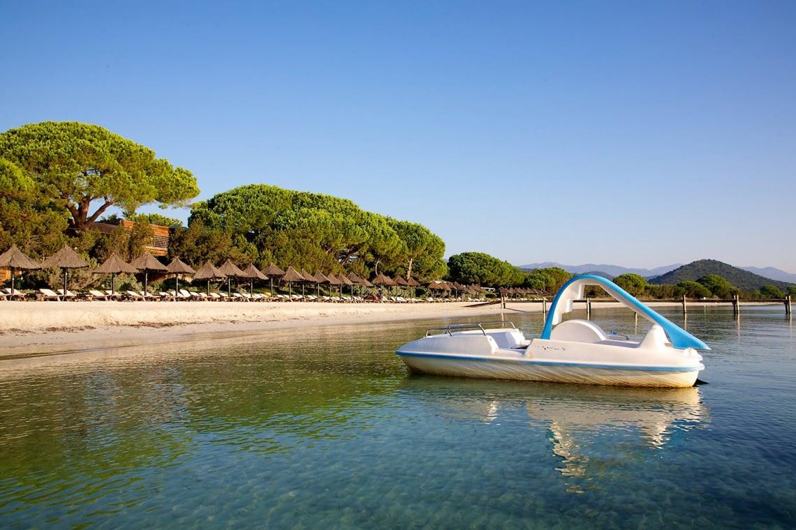 Het-strand-en-de-lagune-Santa-Giulia