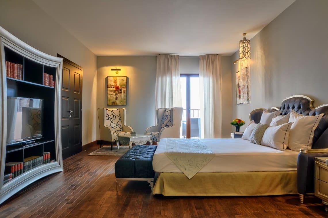 Luxe-kamer-in-4-sterren-hotel-St-Florent