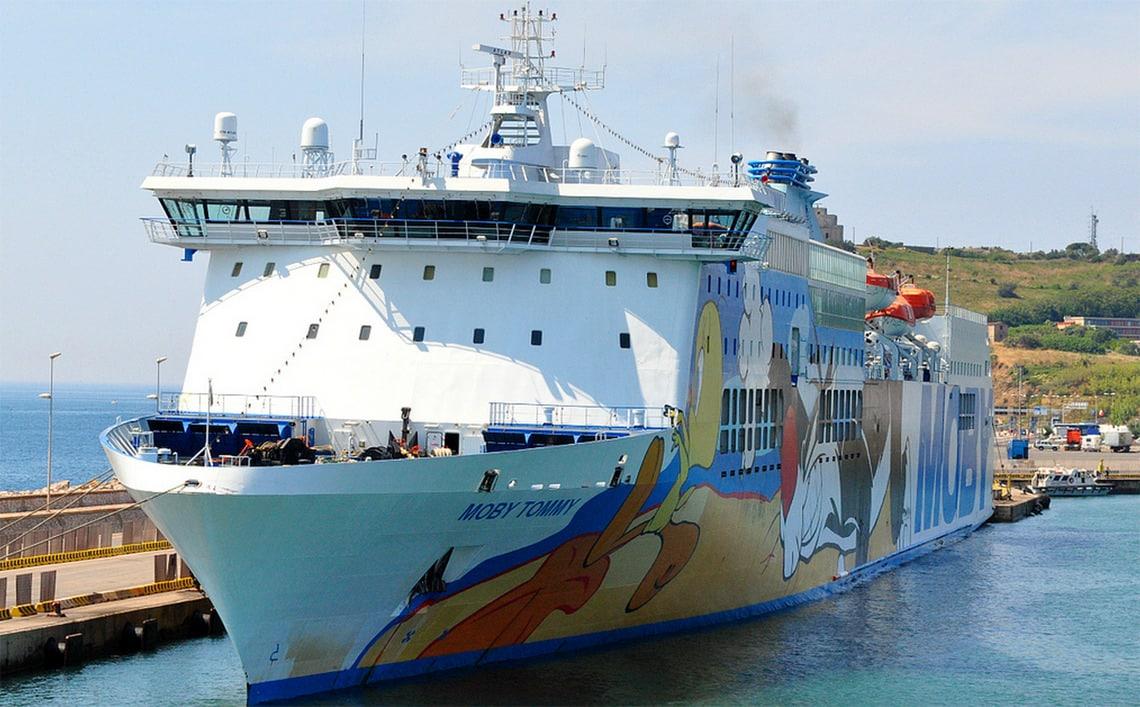 Moby-Lines-veerboot-Corsica-in-haven-Piombino