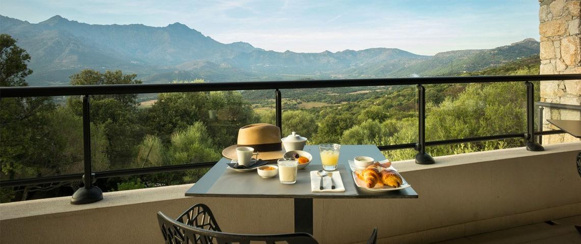Monticello---Hotel-A-Piattatella-balkon