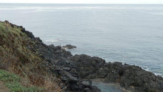 Pointe-de-la-Parata-zwarte-rotsen