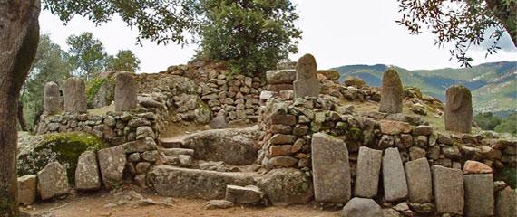 Ruines-bij-Filitosa-in-Zuid-Corsica