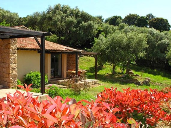 Serra-Di-Ferro---Vakantiepark---Alba-Rossa