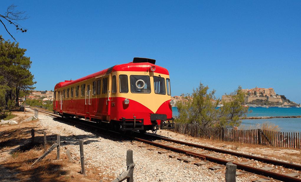 Trein-op-Corsica-1