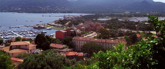 Uitzicht-over-Porto-Vecchio-Corsica