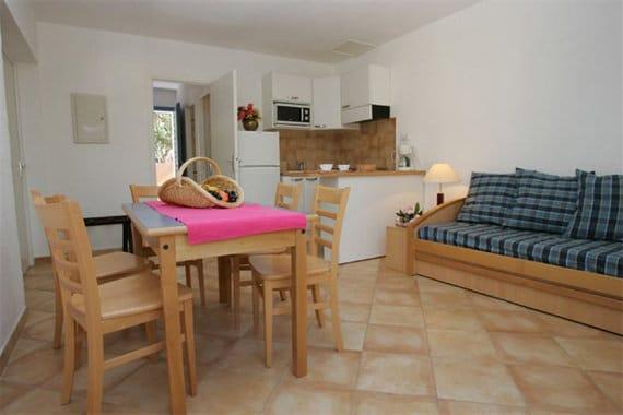 Vakantiepark-Residence-Cala-Bianca-Borgo-inrichting
