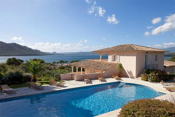 villa 39 s op corsica luxe en comfort bekijk accommodaties. Black Bedroom Furniture Sets. Home Design Ideas