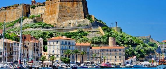 Bastion-de-l-Etendard-in-Bonifacio