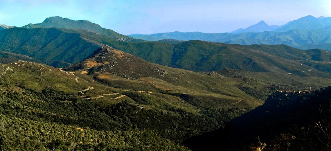 Berg-de-la-montagne-Corsica