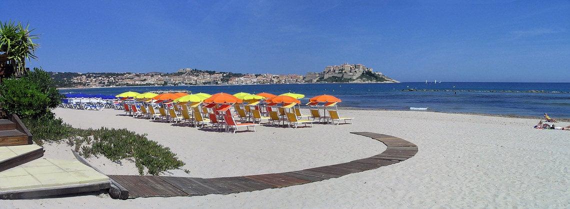 Camping-La-Pinede-Corsica-strand-calvi