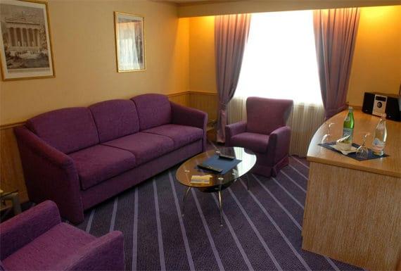 geniet van de faciliteiten aan boord van corsica ferries. Black Bedroom Furniture Sets. Home Design Ideas