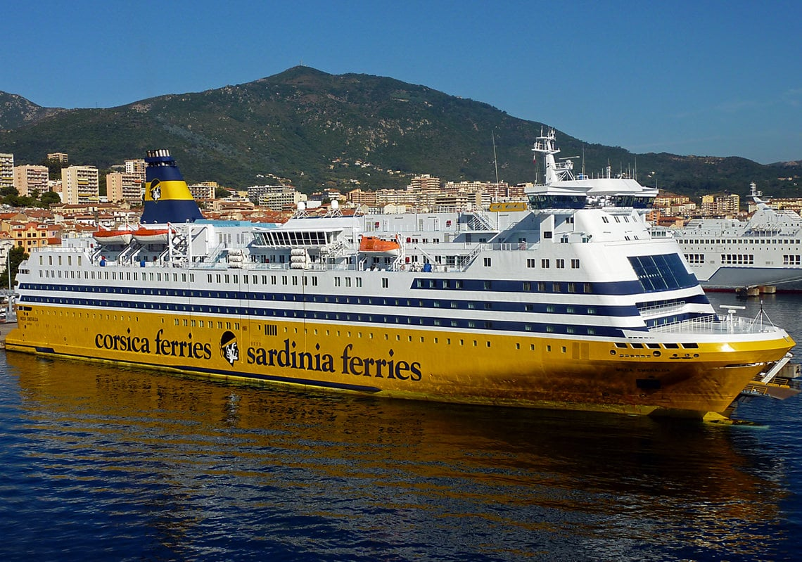 Corsica-Ferries-in-haven