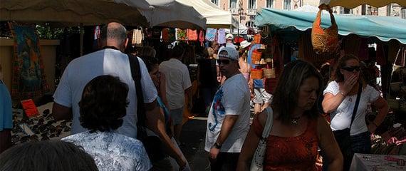 Corsicaanse-markten-kleurrijk-en-gezellig