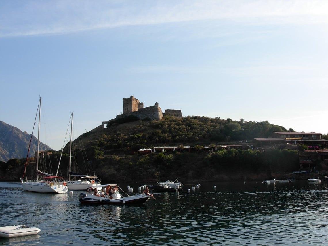 Girolata-haven-met-boten