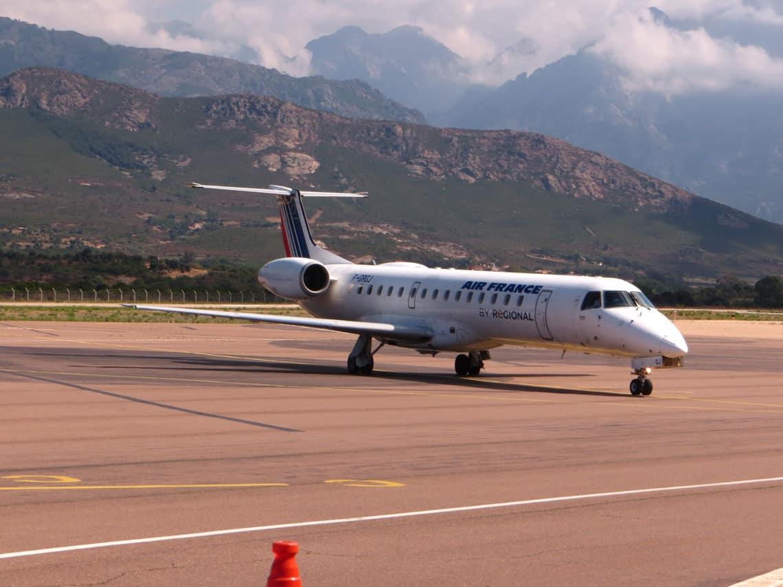 Goedkope-vluchten-naar-Corsica-Jet-Air-France-op-Calvi-Airport