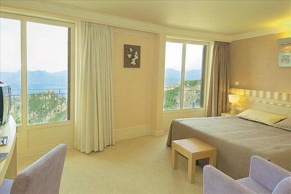 Hotel-Capo-Rosso-Corsica-Porto-Junior-Suite