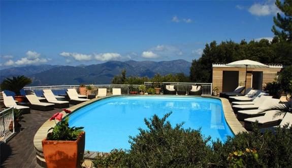 Hotel-Capo-Rosso-Corsica-Porto-Zwembad