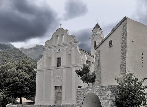 Kerk-in-Venaco-Corsica