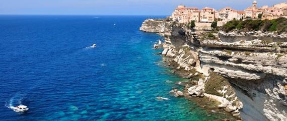Kust-en-kliffen-bij-Bonifacio-Zuid-Corsica