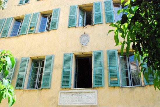 Mais-Bonaparte-huis-van-Napoleon-voorkant