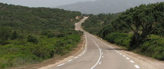 Met-de-eigen-auto-naar-Corsica