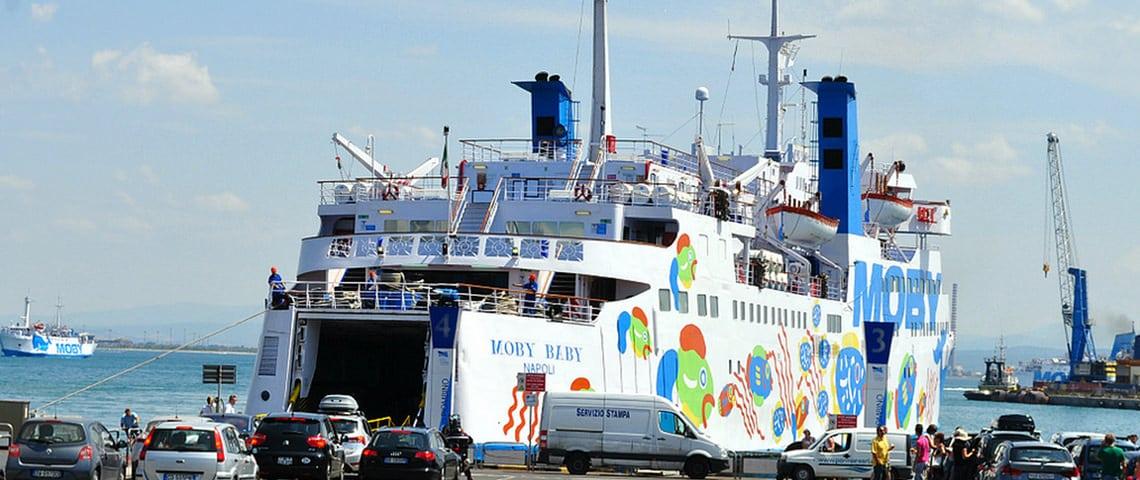 Met-de-veerboot-van-Piombino-naar-Corsica