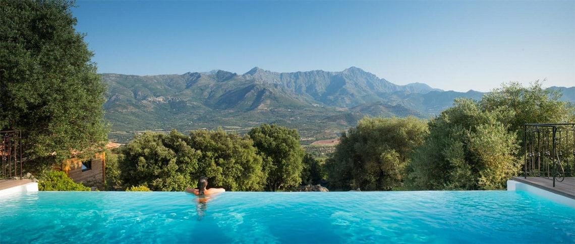 Monticello---Hotel-A-Piattatella-zwembad-met-uitzicht
