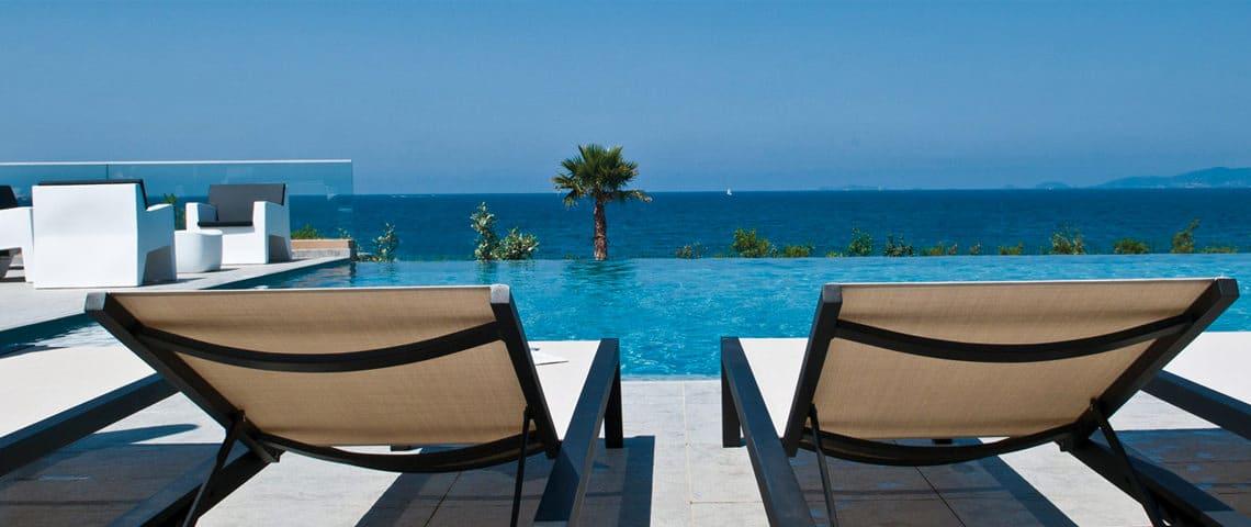 Ontspannen-in-een-resort-op-Corsica
