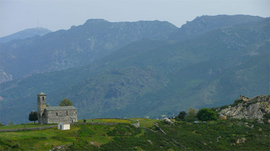 San-Michel-de-Murato-op-de-heuvels