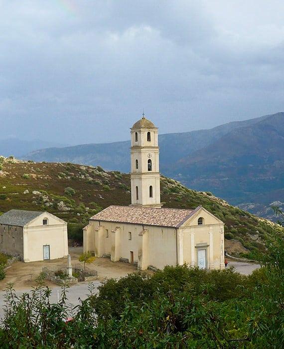 Santa-Maria-Assunta-kerk-bij-Avapessa