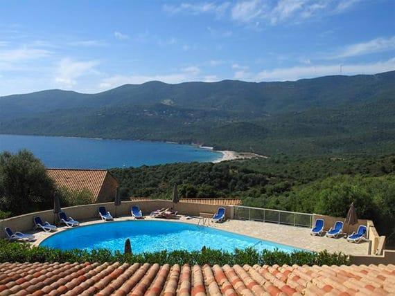 Serra-Di-Ferro-Vakantiepark--Alba-Rossa---zwembad