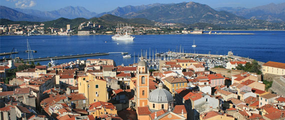Skyline-van-Ajaccio-Corsica