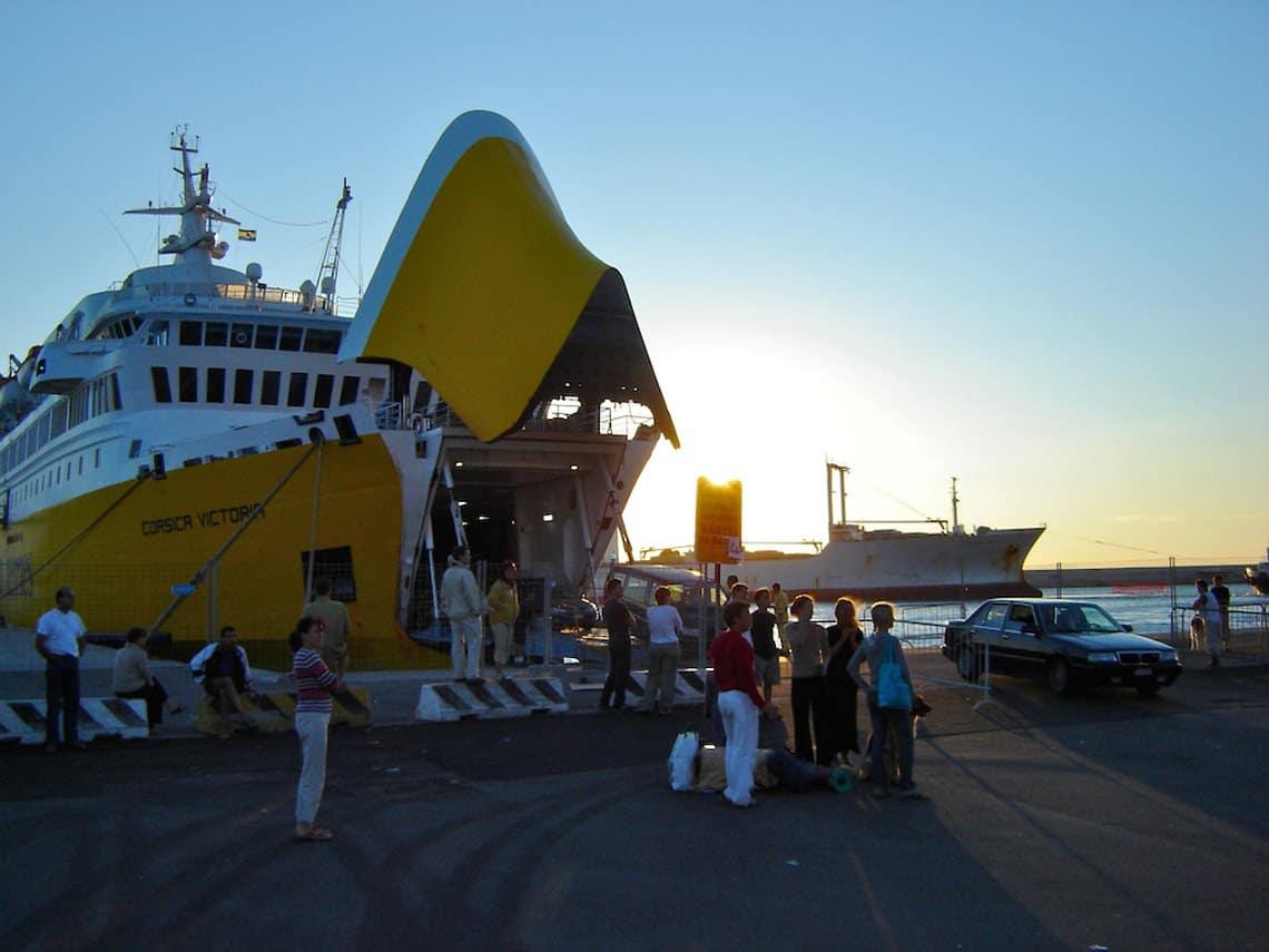 Veerboot-Corsica-in-Savona