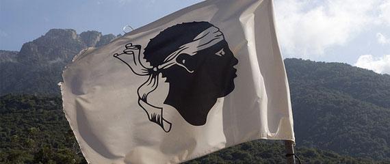 Vlag-van-Corsica-het-Morenhoofd